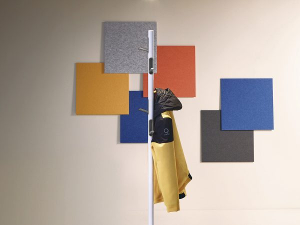 Perchero Torino, perchero metálico, perchero de Made Design, perchero de Eduard Juanola, perchero de pie, perchero para oficina, perchero para casa, accesorios para casa, accesorios para oficinas