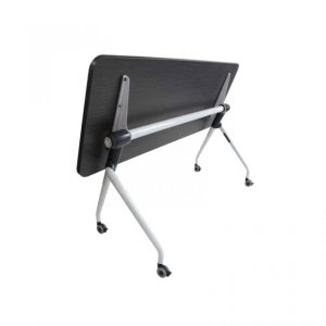 Mesa abatible A-White, mesas con cubierta abatible, mesas con ruedas, mesas para salas de capacitación, mobiliario para salas de capacitación