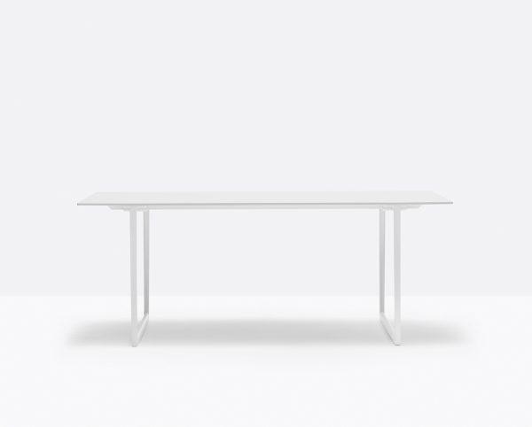 Mesa Toa 190x75 de Pedrali, Mesas italianas, mesa diseña por Robin Rizzini, mesas para comedor, mesas para hogar, muebles de Pedrali